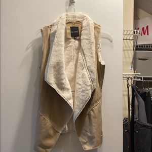 Perfect condition fall vest